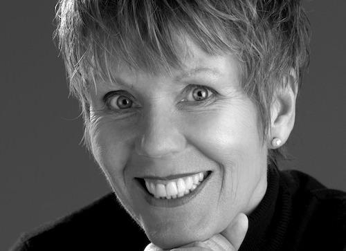 Karin FOSSUM : Biographie et Bibliographie